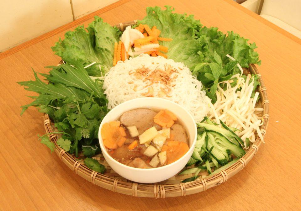 素麺に飽きたら、ベトナムハノイ式つけ麺「ブンチャー」なんていかがでしょう?